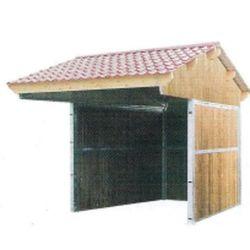 Abri de prairie toiture double pente pour chevaux en pin du nord